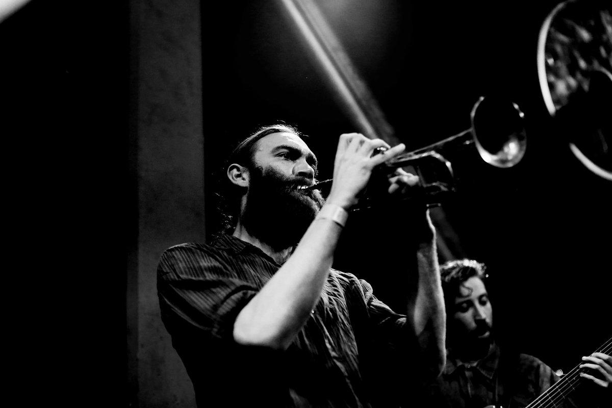 Nick Walters bring his Paradox Ensemble back to life with the mini-album 'Awakening'.